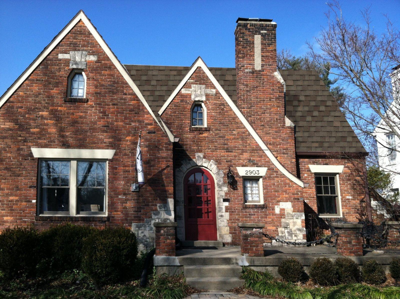 Tamko Styleselect Brick Exterior House House Exterior Tudor Cottage