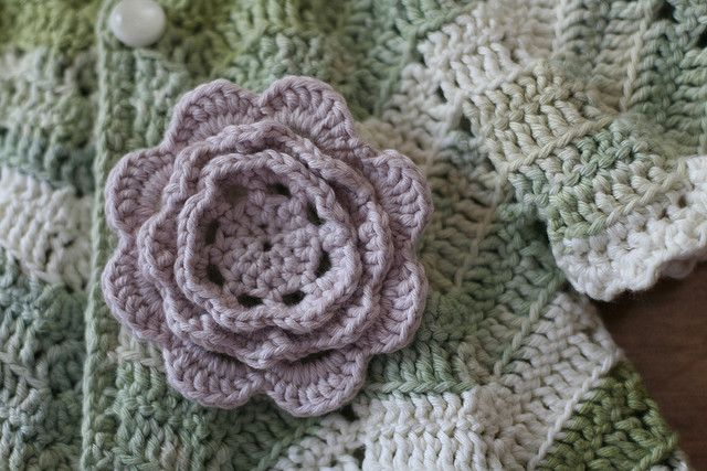 Irish Knitting Patterns Free : Free Irish Rose pattern from Ravelry. Crochet Flowers and leaves projects ~...