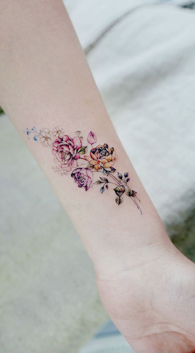 Simple tattoo designs to wear your favorite flower on your skin. Are you looking …
