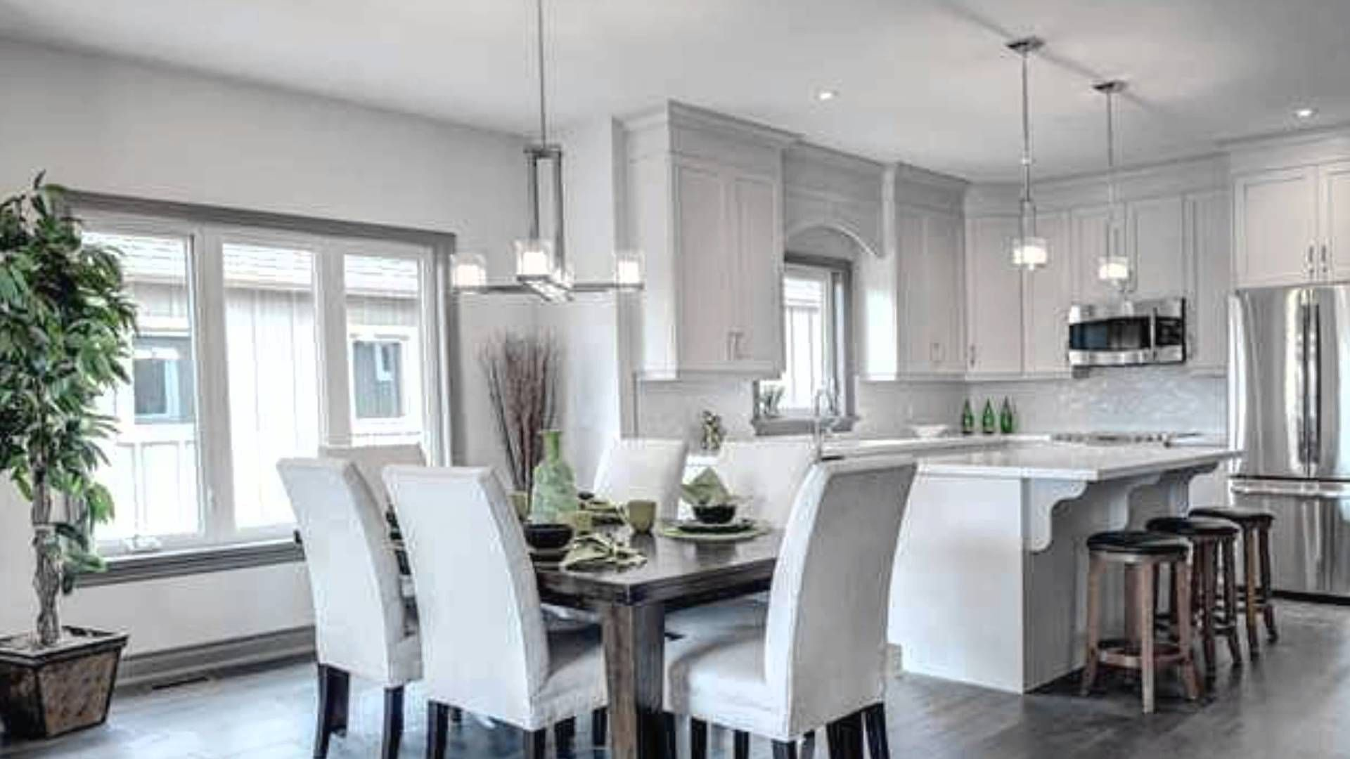 Home staging model homes pictures.