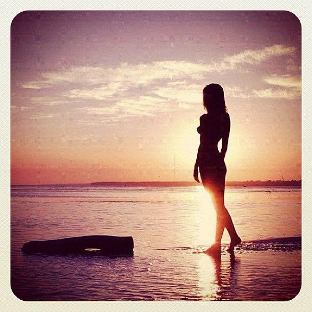 naked women beach night