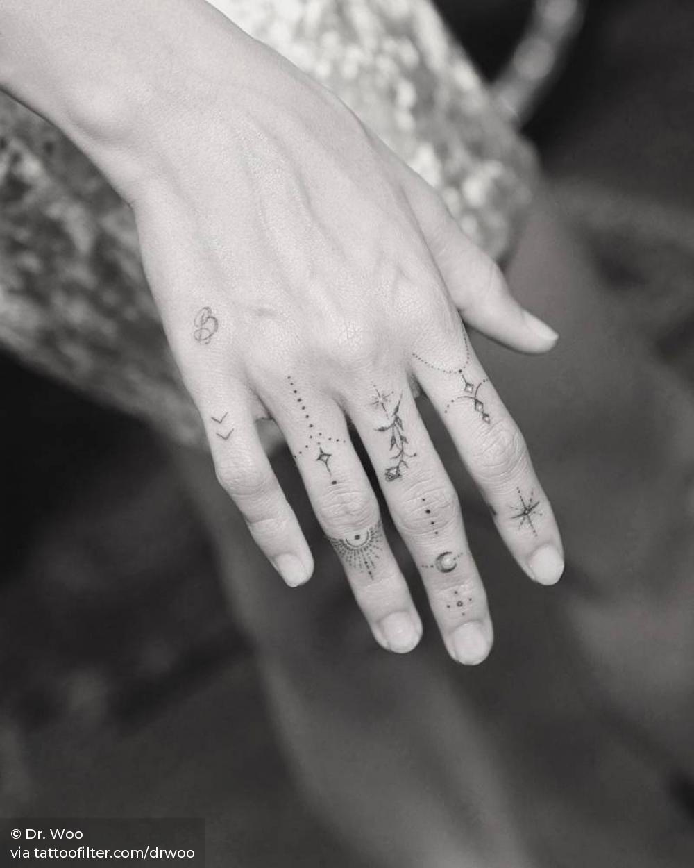 Hailey bieber tattoos