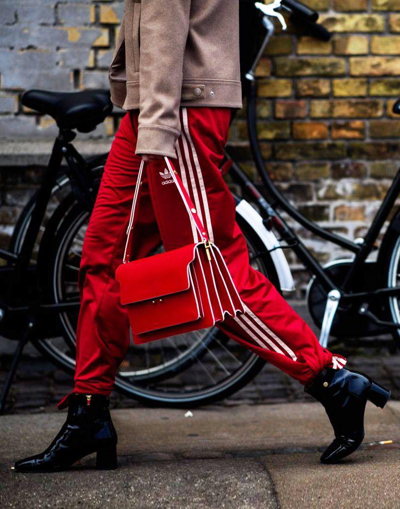 MARNI smalll Trunk shoulder bag, explore this seasons It Bags at Farfetch.