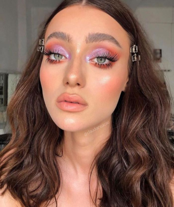 Photo of Refresh Your Makeup Game With Living Coral Color of The Year 2019 – VIVA GLAM MAGAZINE™