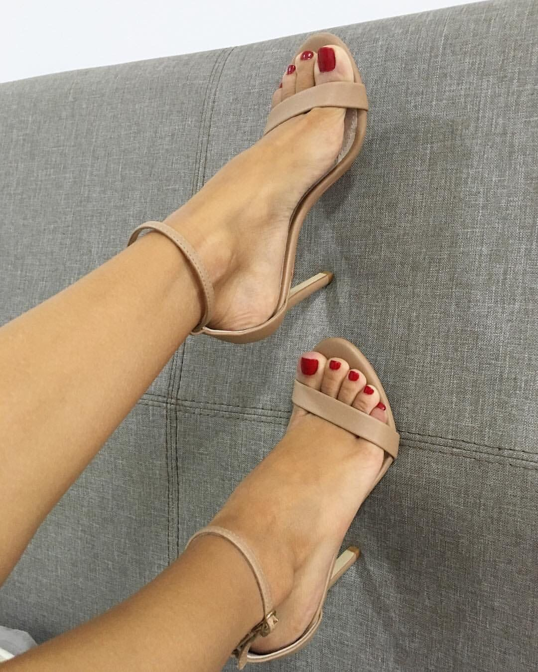 Fett heels nude sexy — img 2