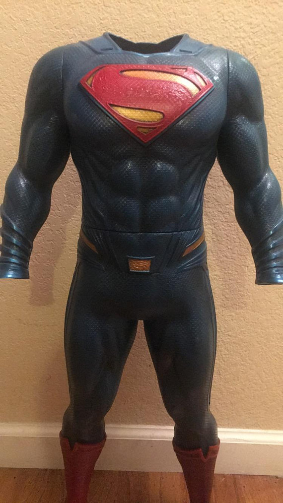 Batman V Superman  Superman Suit Statue  529ab13a57d