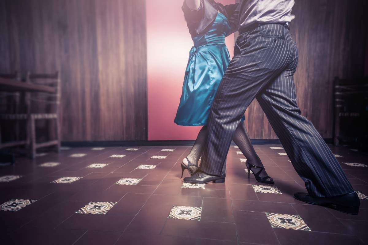 5 surprising ways to help your memory couple dancing