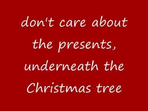 Mariah Carey Justin Bieber All I Want For Christmas Is You Lyrics On Screen Youtube Yours Lyrics Mariah Carey Christmas Song