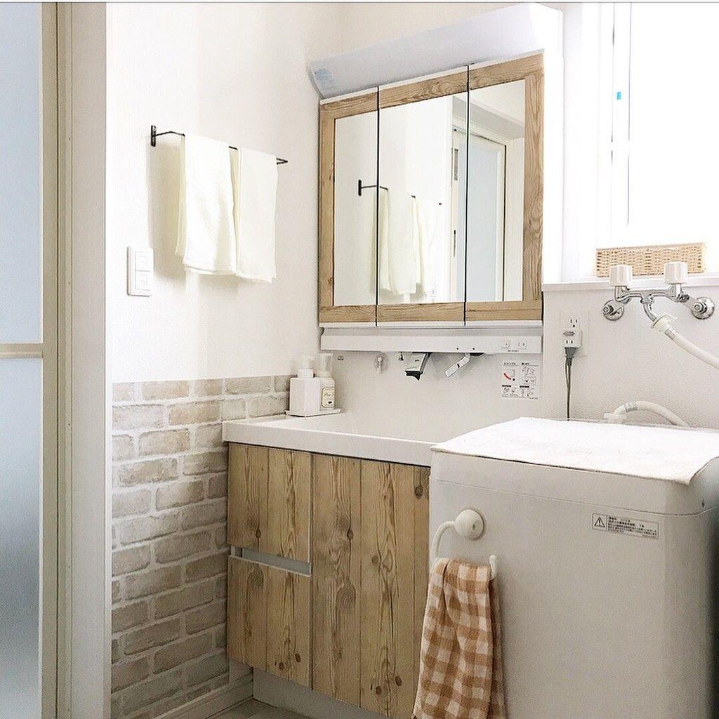 サニタリーだって可愛くしたい 木の枠の鏡がある洗面台に憧れて
