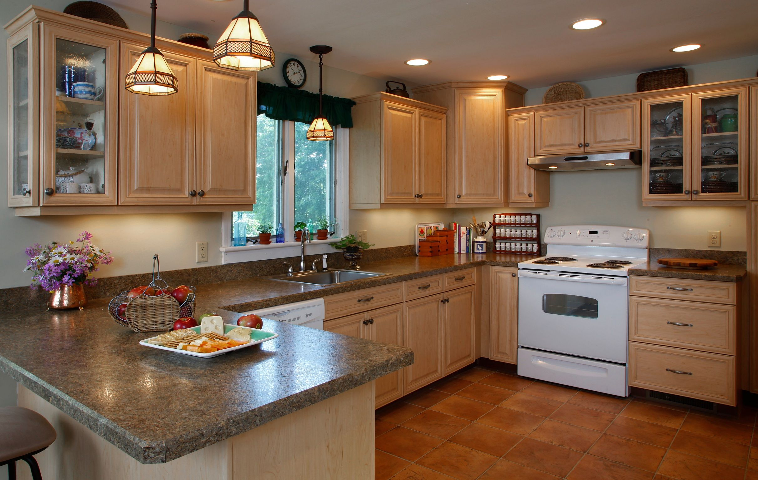 The pros and cons of the 4 inch backsplash kitchens for Most popular backsplash