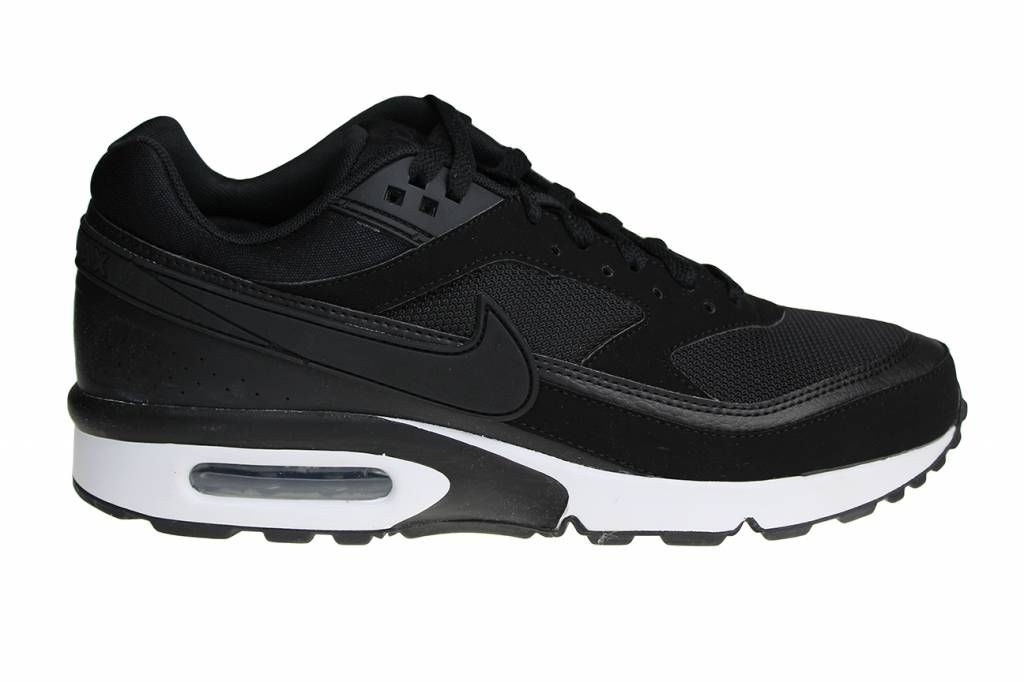 Zwart met witte Nike Air Max BW schoenen voor heren. Het is ...