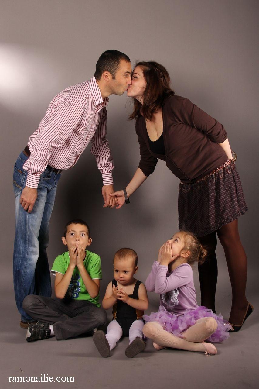 studio family photogra...