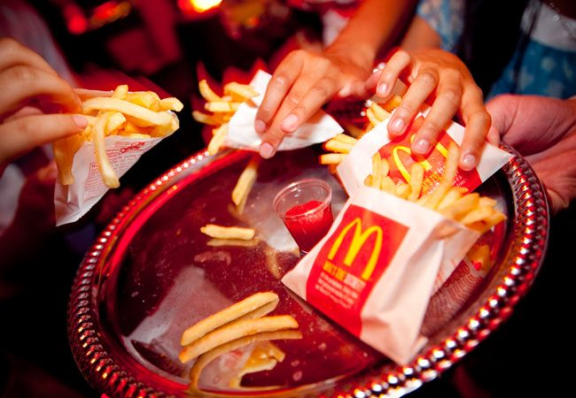 14 Fun Ways To Serve Fast Food At Your Wedding I Love All Of These