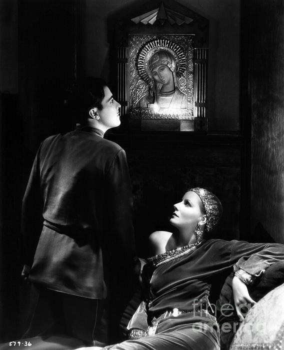 Ramon Novarro and Greta Garbo in a scene from the 1931 pre-code classic MATA…