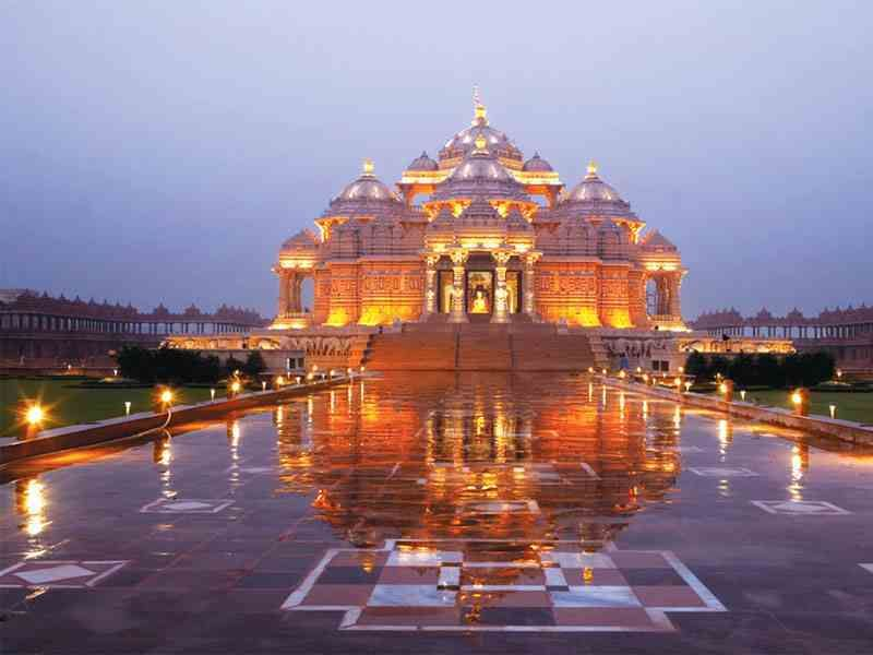 10 Best Places To Visit In Delhi Check Them Out You Gonna Love Them Cool Places To Visit Tour Packages Service Trip
