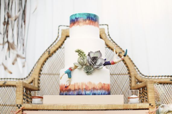 Modern bohemian wedding | Photo by Max and Friends | Event design Amorology | 100 Layer Cake