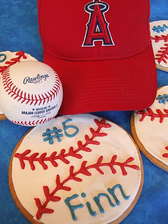 How to Make Baseball Cookies (for end of the year Little League team  parties) 61acc8ae20986