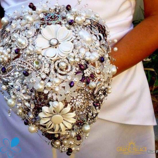 Hoa cưới lộng lẫy !   https://www.facebook.com/grandpalace.com.vn?fref=ts