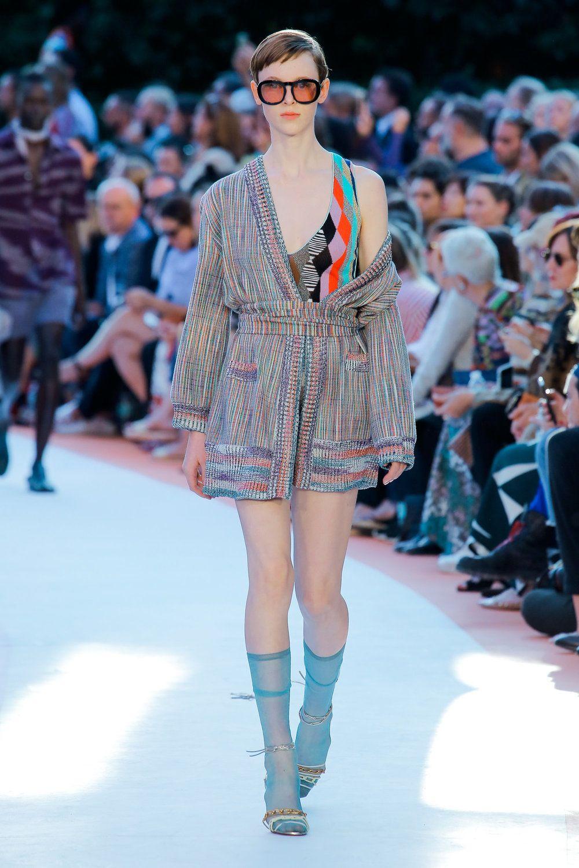 http://www.vogue.de/fashion-shows/kollektionen/fruehjahr-2018/mailand/missoni/runway/_lll0383