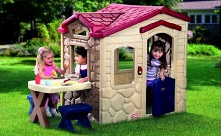casa para nios en el jardin