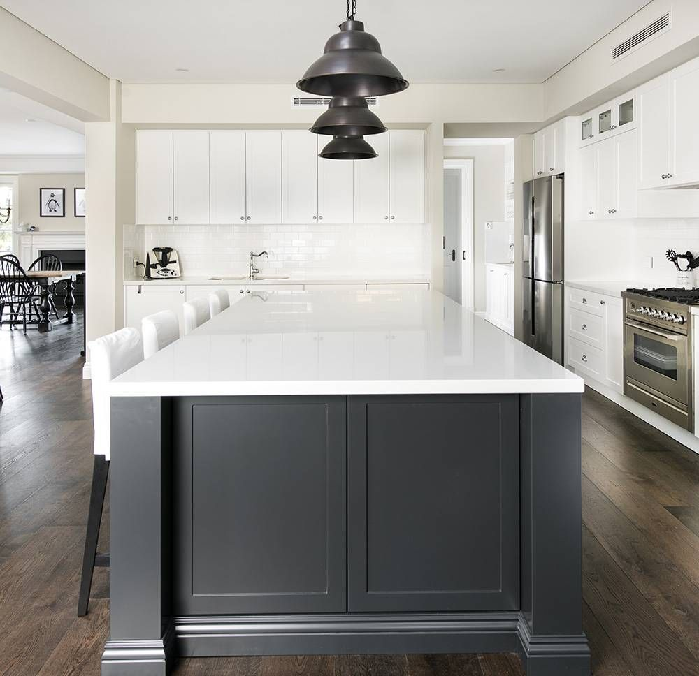 Hamptons Style Home In 2020 Hamptons Kitchen Hamptons Style Homes Kitchen Layout