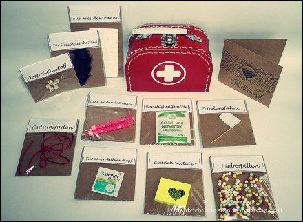 Ehe notfallbox inkl druckvorlage geschenkideen for Erste wohnung geschenk