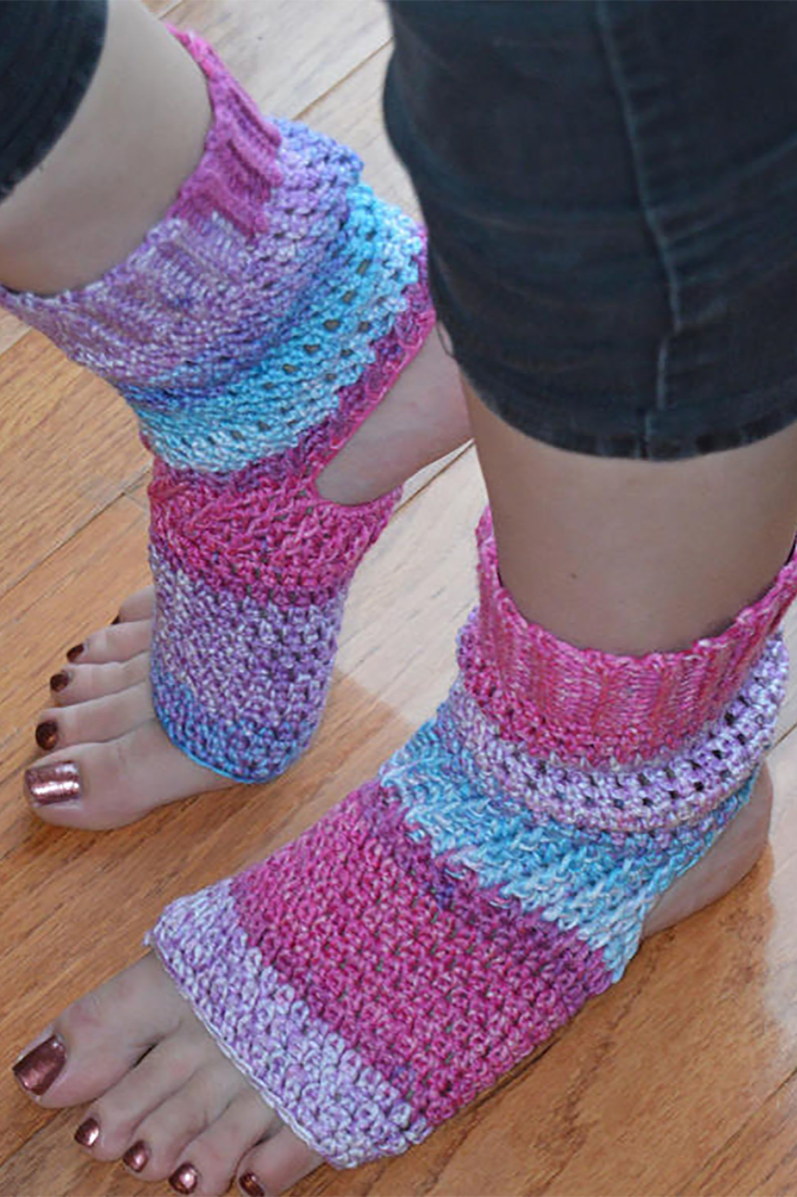 Flip Flop Socks Exist And We Arent Sure How To Feel Free Crochet