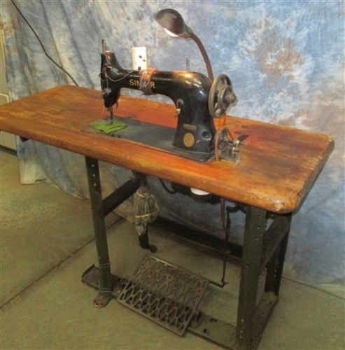 40SingerModel40TailorSewingMachineTableProfessional Stunning 1902 Singer Treadle Sewing Machine