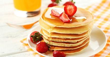 طريقة عمل عجينة البان كيك Pancake Recipe Strawberry Pancakes Pancakes