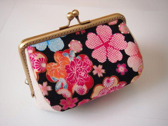 Kisslock Coin Purse  Clasp Coin Purse  Change Wallet Japan Kimono Sakura