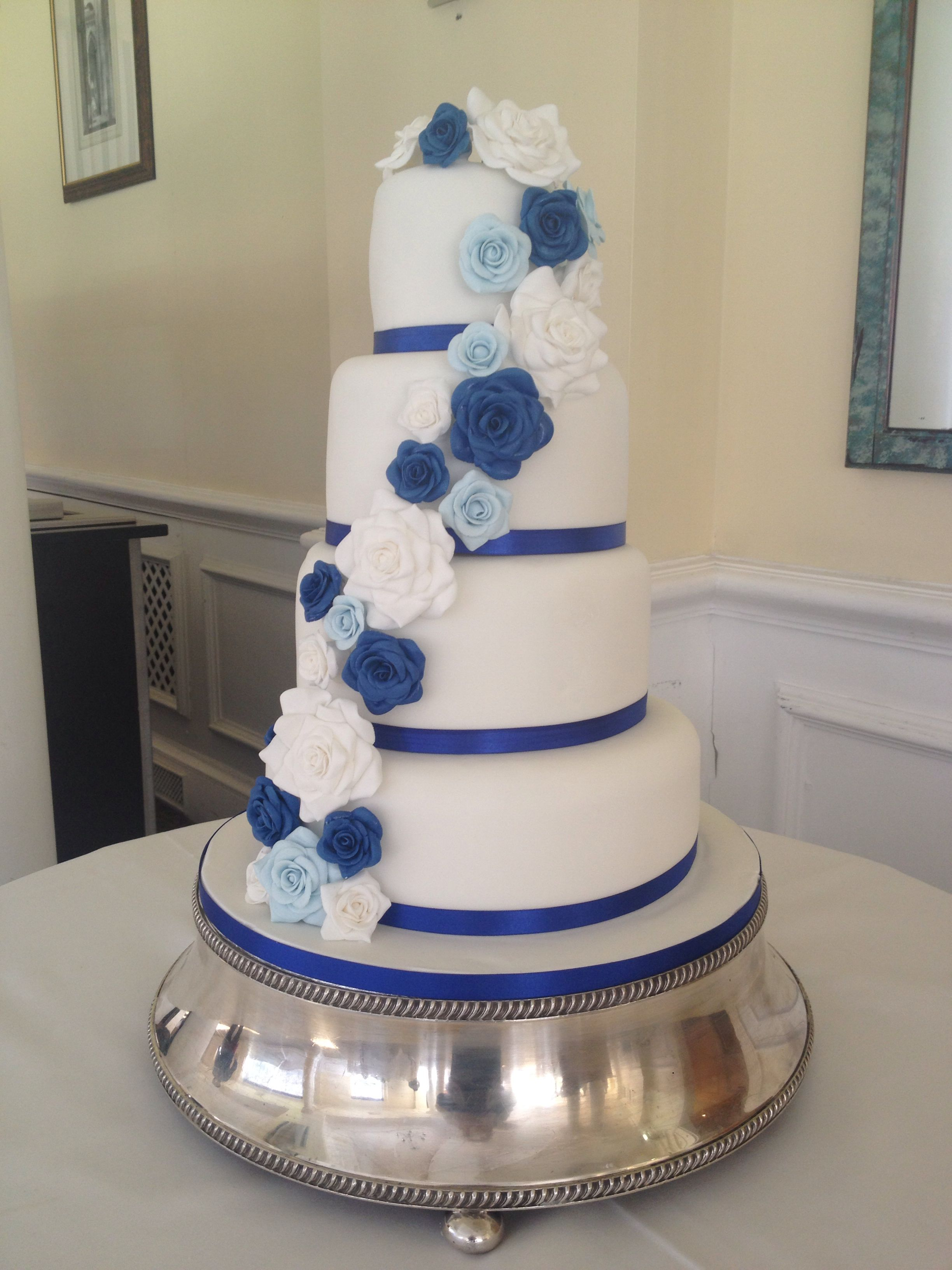 Blue Rose Wedding Cake Wedding Cake Roses White Wedding Cakes