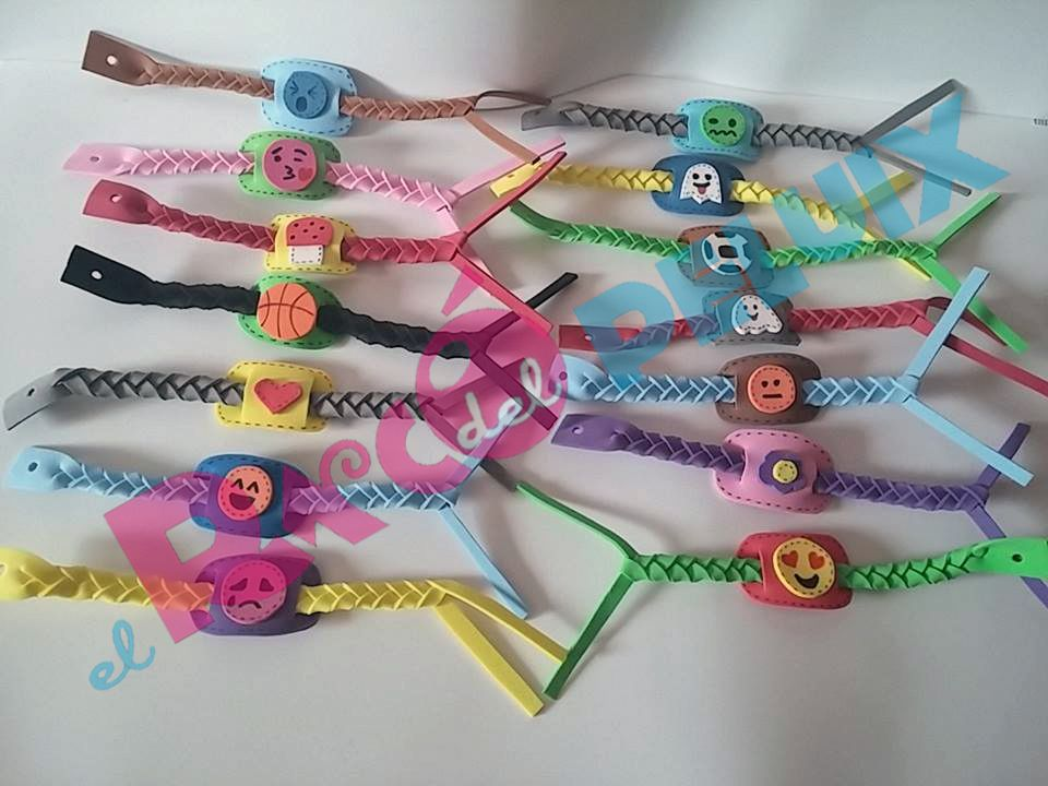 24 best PULSERAS GOMA EVA images on Pinterest Loom bracelets