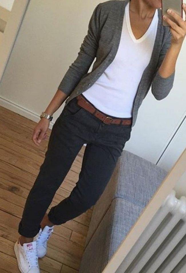 Weißes T-Shirt und graue Strickjacke - Summer Idea