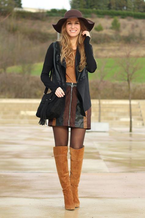b55e1a420c3 falda patchwork, falda colores, look setentero, botas por encima de la  rodilla, como combinar el negro, negro con marrón, nero con camel, colores  tierra