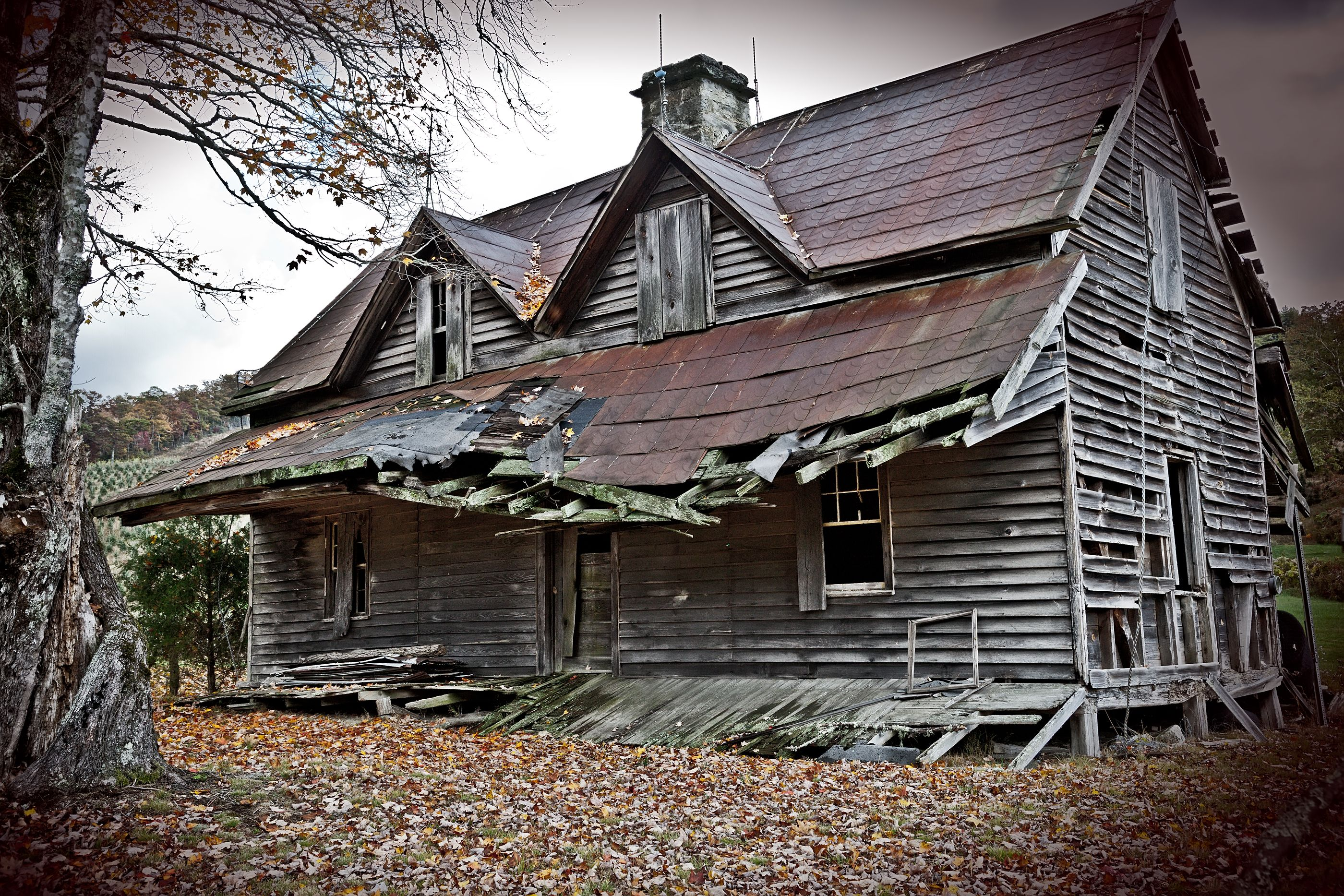 Old haunted house hauntings pinterest for Pinterest haunted house