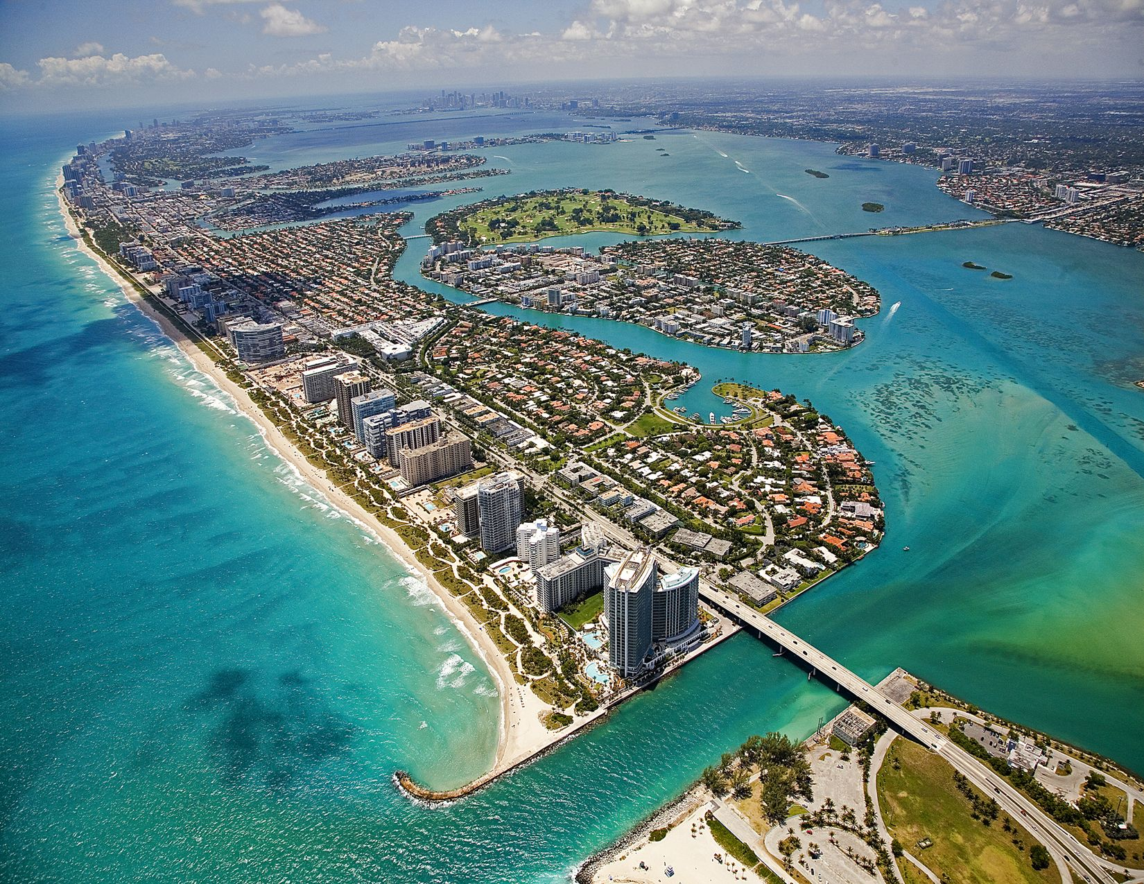 A Bit North Of Miami Beach S Main Stretch Bal Harbour Is Quiet Sand Sharing E With Luxury Iniums And Five Star Hotels