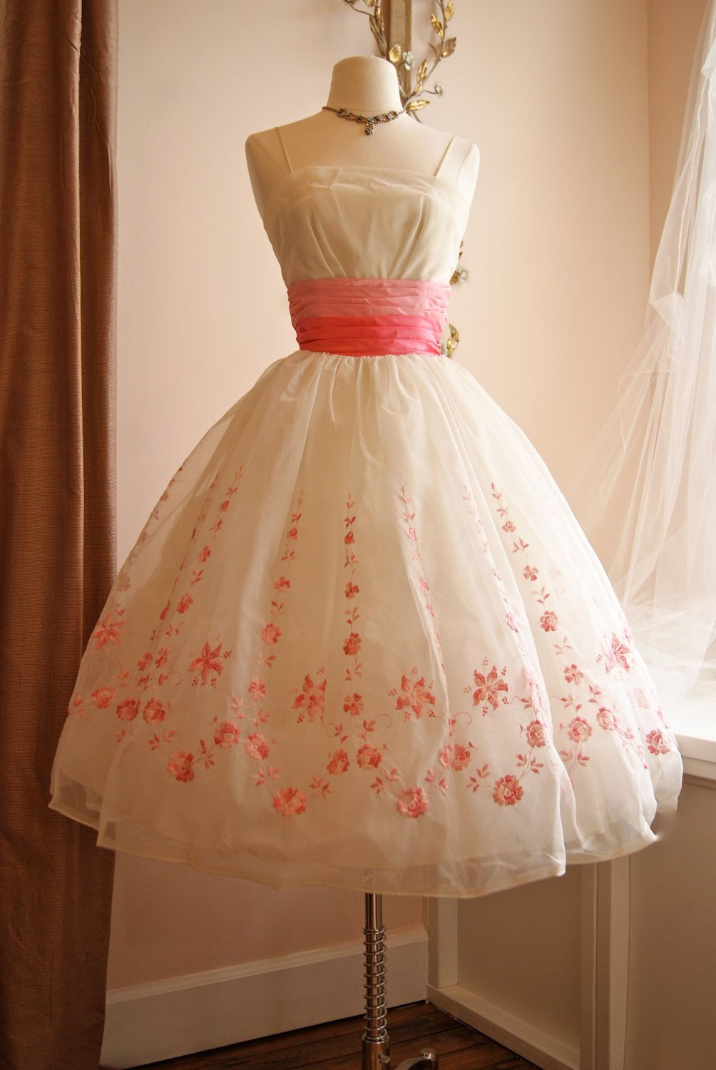 Vintage 1950s Prom Dress // 50s Pink and White Chiffon Embroidered ...