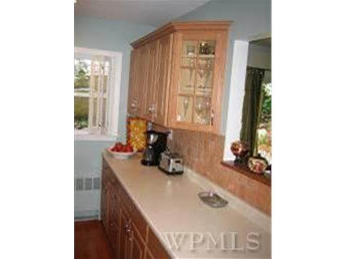421 Park View Ave, Yonkers, NY 10710 | Home, Home decor ...