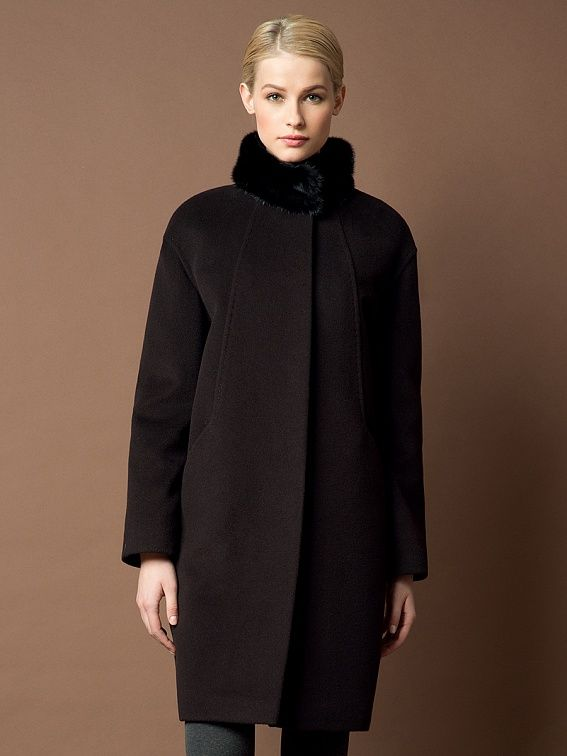2b5221754df Трендовое зимнее пальто силуэта кокон из теплой ворсовой ткани. Модель  имеет потайную застежку и воротник