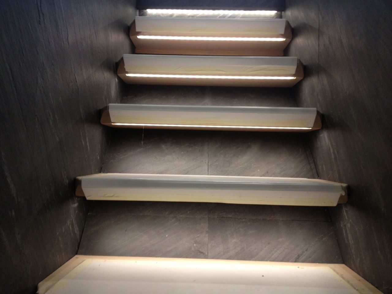 Best Slate Stone Veneer Tile Staricase Steps Risers And Wall 400 x 300