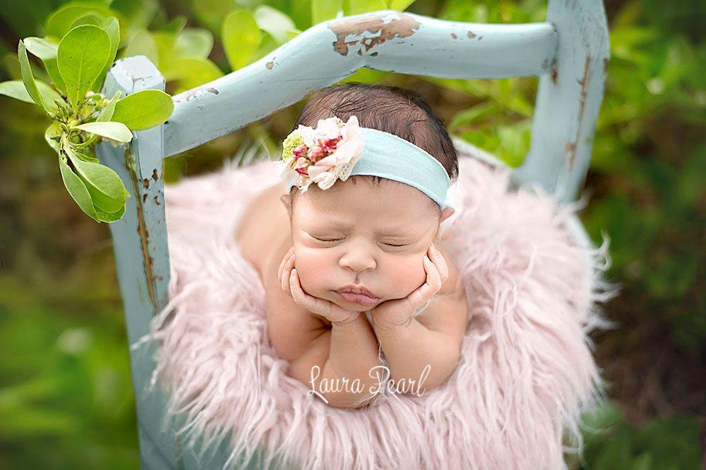 Hawaii and san antonio newborn photographer laura pearl photography outdoor newborn girl