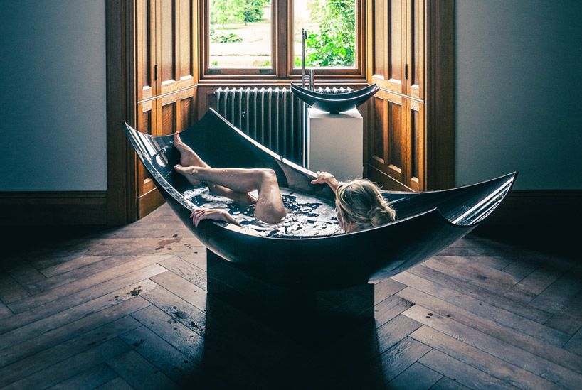 Splinter Works Sculpts Vessel Series Of Tubs And Sink Using Carbon - Hammock shaped bath tub