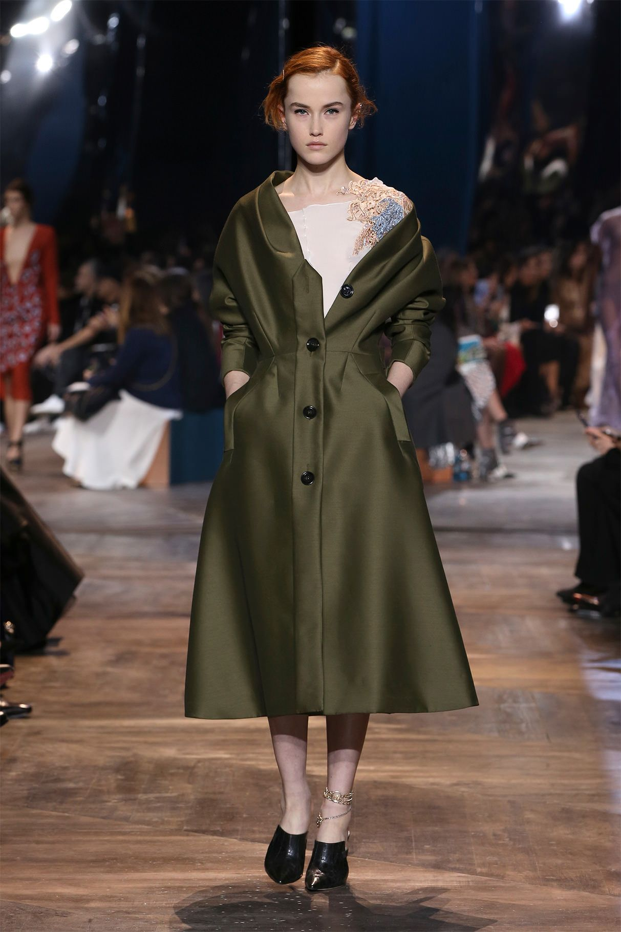В коллекции Haute Couture весна-лето 2016, предста ... e19b5b3a3a5