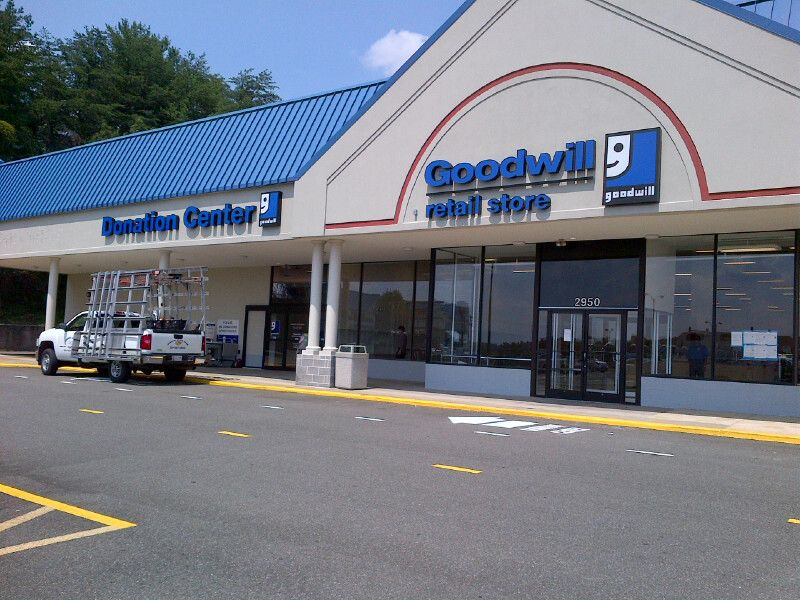 I Visited The Dale City Goodwill Store For The Very First Time