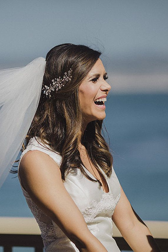 Sparkling rhinestone hair comb by One World Designs Bridal Jewelry - photo by Iris and Light Photography.