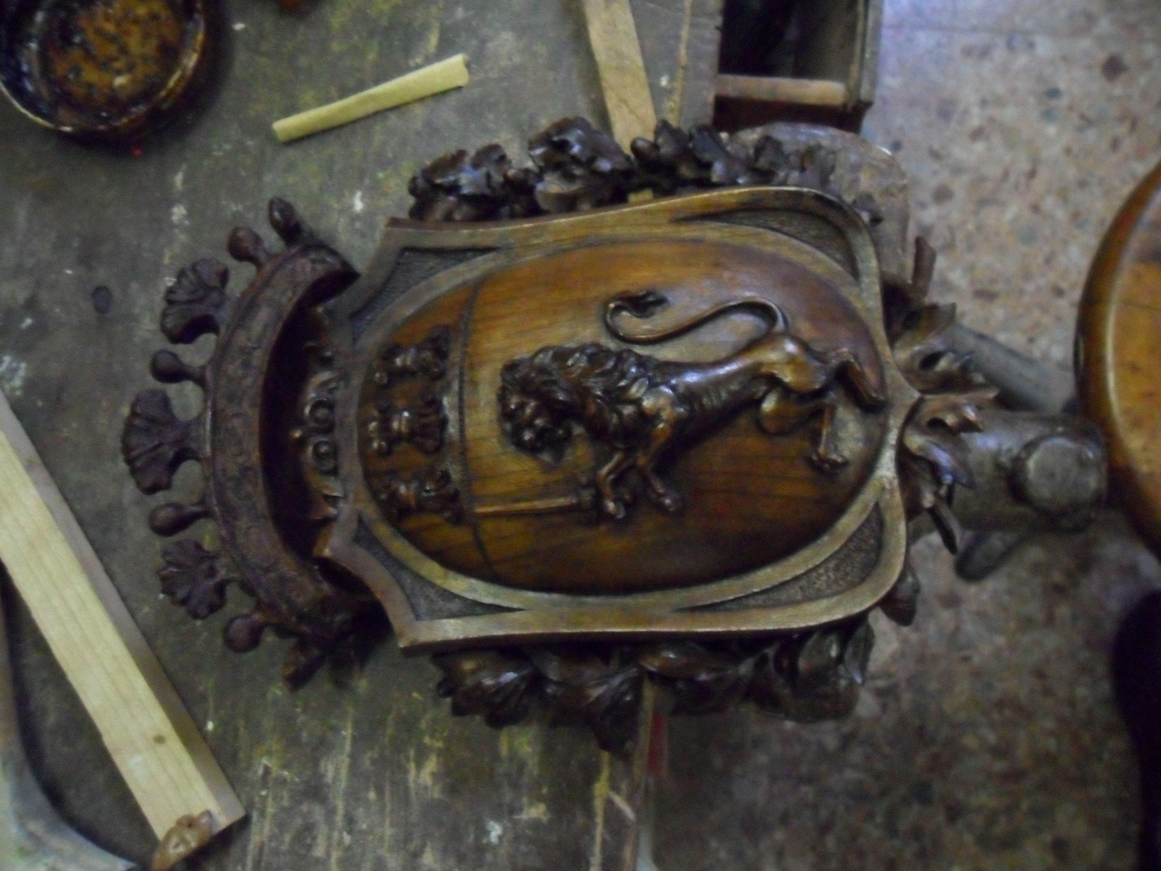 06 - l'intaglio della corona è terminato.