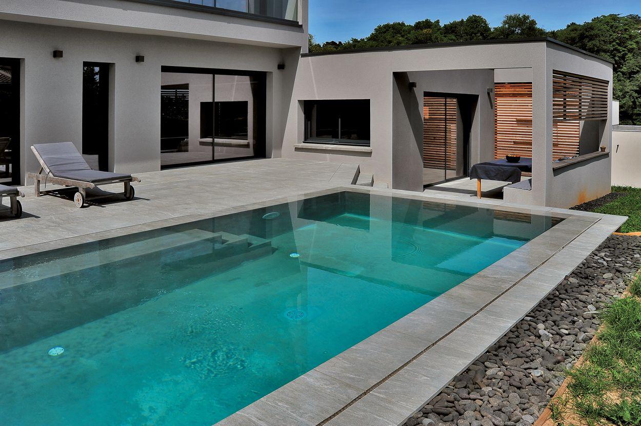Carrelage Pour Villa Avec Piscine Saint Didier Au Mont D Or Piscine Villa Piscine Interieure