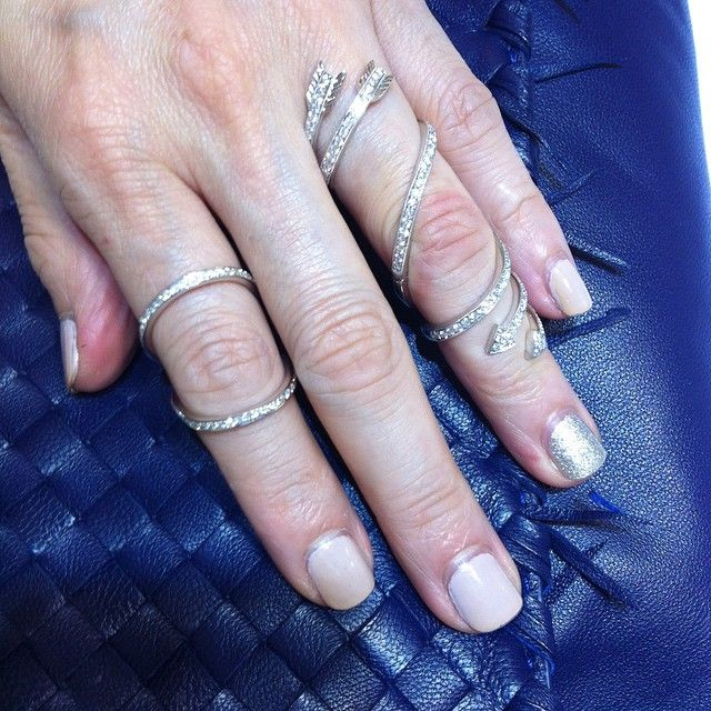 """#luxury #unique #inspire #love #classic #jewelleryporn #finejewelry #fashion #lfw #pfw #mfw #nyfw #uk #nyc #london #pairs #italy #swiss #italy #18K…"""