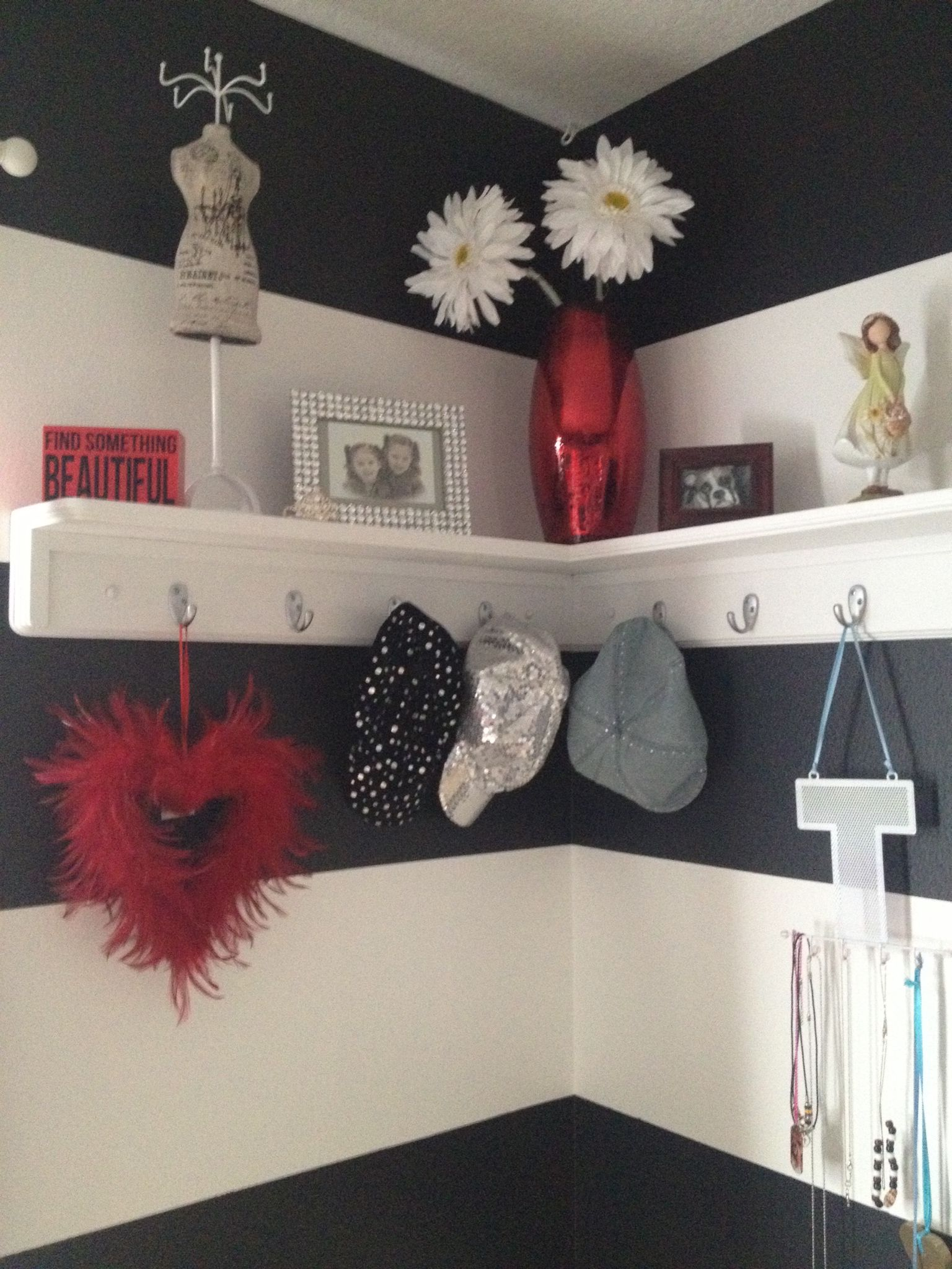 3 Home Decor Trends For Spring Brittany Stager: Bold But Girly Shelf Decor In Our Black White & Red Tween