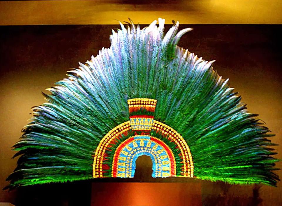 Penacho De Moctezuma Sin Fecha De Retorno El Penacho De Moctezuma Arte Azteca Museos